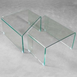 Coppia tavolini modello Mercury. Vetro resistente curvo