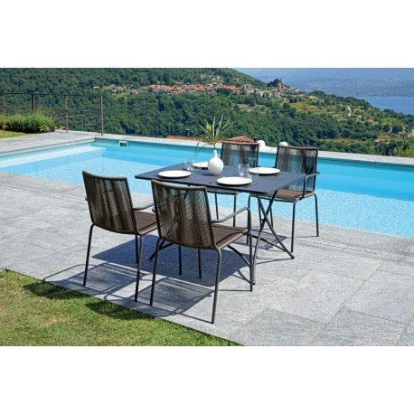 Tavolo da esterno Lipari in teak by Greenwood. Misura 120x70
