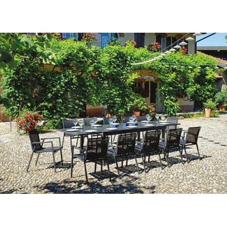 Tavolo  Montalcino di Greenwood, allungabile 135/270cm, alluminio antracite, piano a doghe.