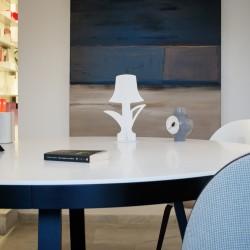 Lampada da tavolo ĀHUA Bloom. Brand: ĀHUA Design. Altezza 30cm. Diversi colori.