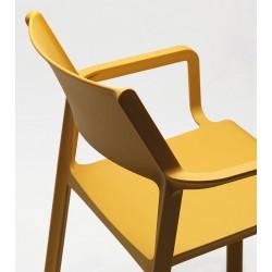 Sedia da esterno con braccioli Trill by Nardi in resina fiberglass
